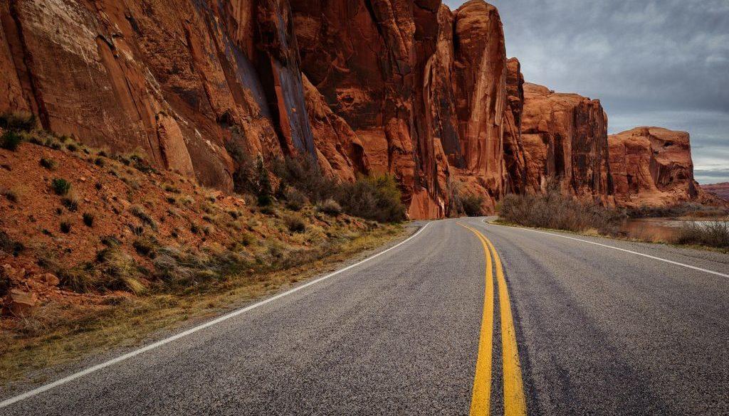 Asphalt road rock mountains dusk_1920x1200_wallpaper
